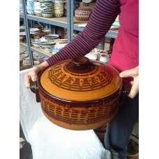 Тъмнокафяв 5л. Гювеч-Тава С Традиционна Българаска Шарка Ръчно Изработен От Троянска Керамика